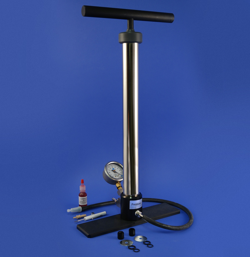 PRESSURE/VACUUM HAND PUMP, WITH GAUGE