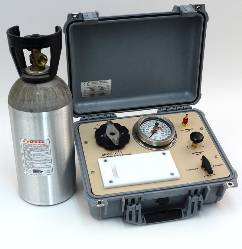 SAPS II PLANT WATER STATUS CONSOLE, 40 Bar Gauge, G2 Specimen Holder in carry case, 33 c/f tank (empty) included